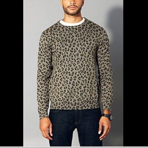 Forever 21 Men olive green leopard print sweater